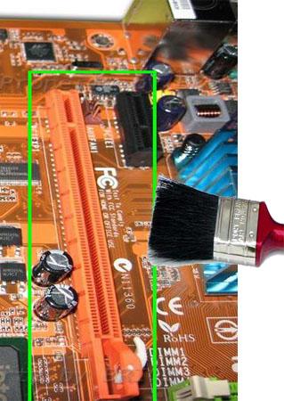 Bersihkan slot VGA card